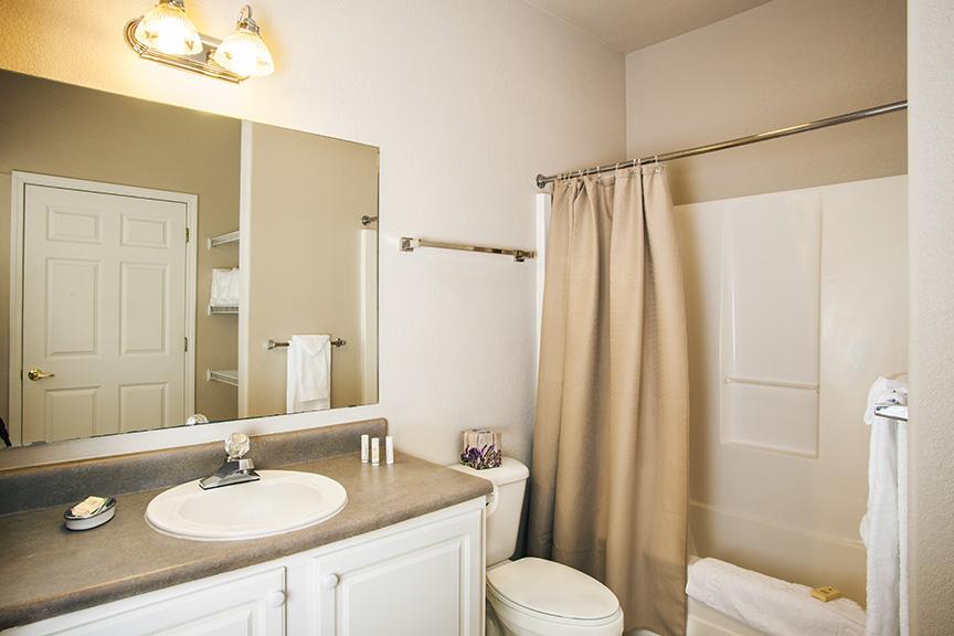 _K5D2514, 2bd Guest Bath E
