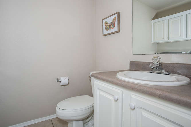 9911 E 21st St N Wichita KS-small-010-17-Bathroom-666×444-72dpi