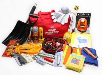 emergency-winter-car-care-kit
